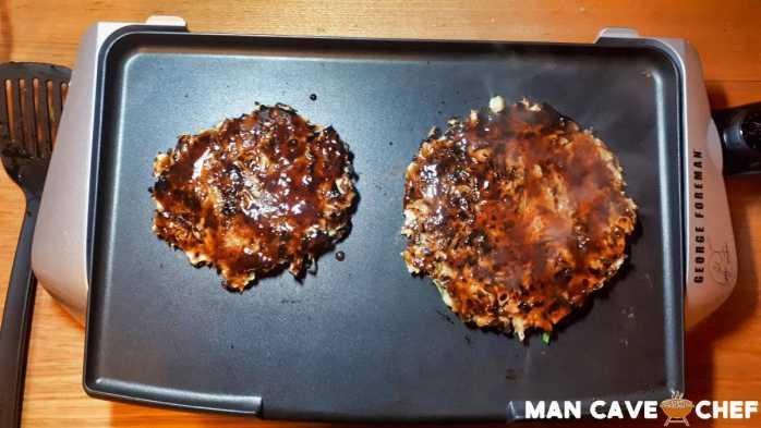 Okonomiyaki with sauce